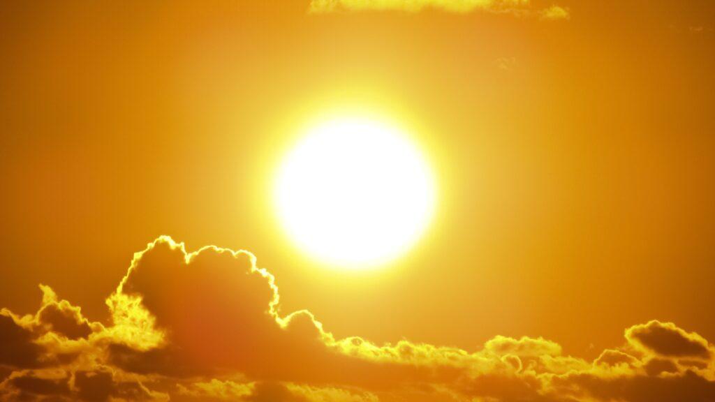 beach bright clouds 301599